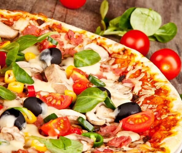 Рецепт итальянской пиццы с ветчиной и грибами