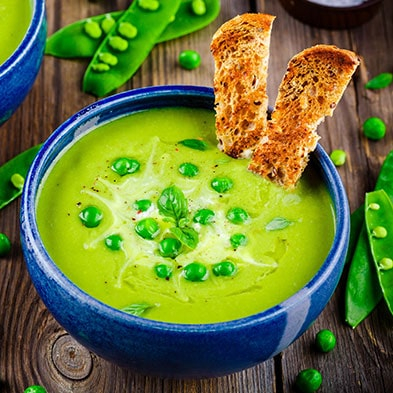 Cream Soup with Green Peas and Cream