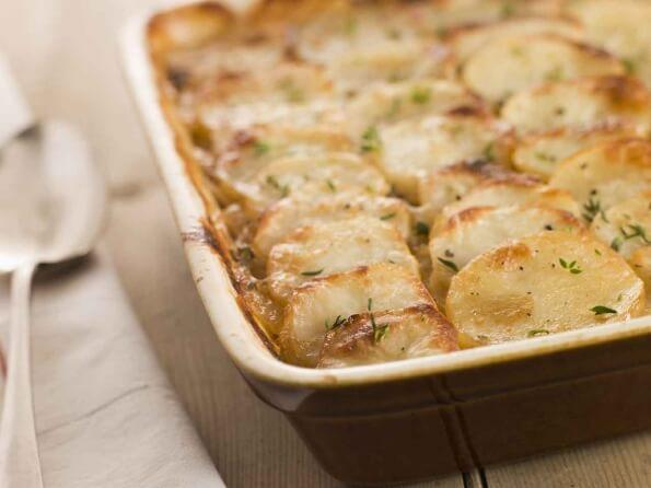 Молодой картофель в сливочном соусе