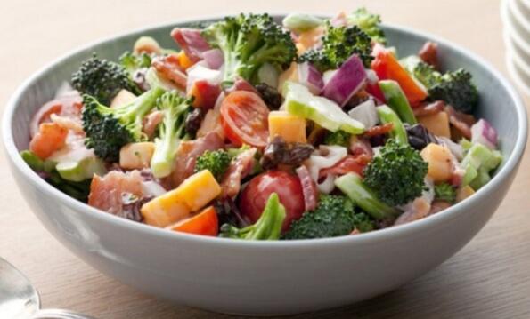 салат с цветной капустой и брокколи