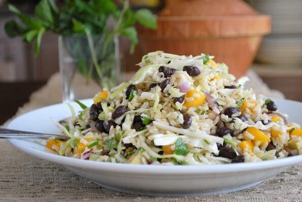 Салат з рисом, яйцем та грибами