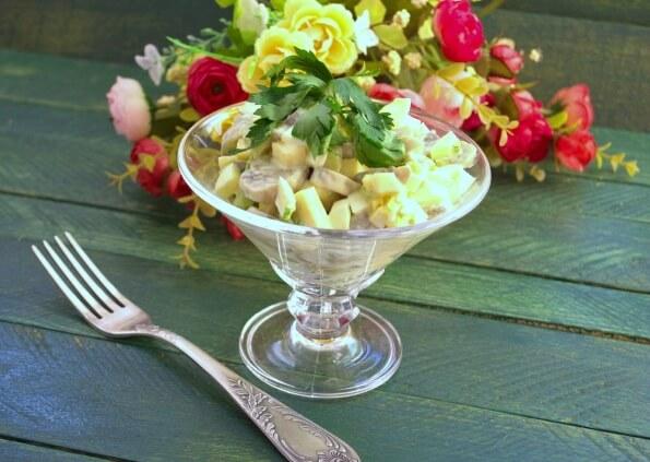Салат зі смаженими шампіньйонами