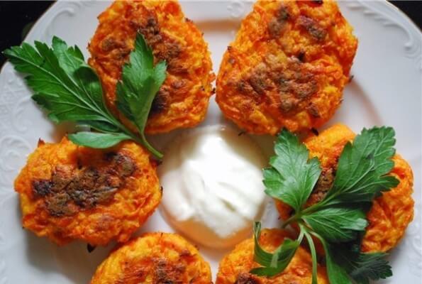 «Морквяні» оладки на кефірі